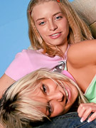 Ashley Lightspeed : Check out adorable teens Ashley Lightspeed and Mandy Lightspeed as they get better acquainted!