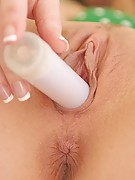 FTV Girls : Madison trys out a couple of dildos