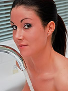 Sweet Krissy : Krissy gets naked and soapy in the bathtub
