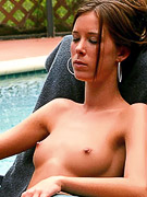 Brooke Skye : Brooke Skye strips off her bikini as she put lotion unto her body