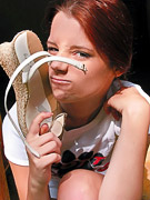 Piper Fawn : Teen gives her feet love!