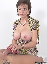 Lady Sonia takes her lingerie off and pleases her lover with a deep, warm blowjob