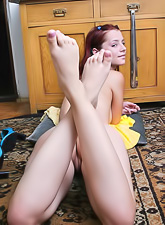 No matter how Gabrielle Lupin is tired, she is always ready to caress her feet.